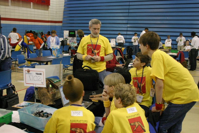 101_4092_FLL_Team_Meeting.jpg