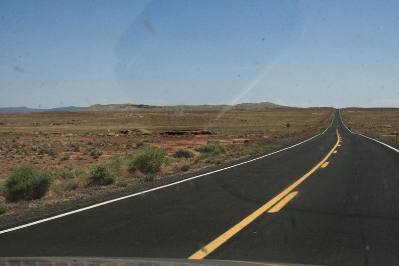 316-4413 Meteor Crater from the Road.jpg