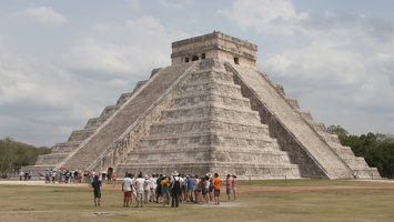 321-7107--7109 Pyramid at Chitchen Itza
