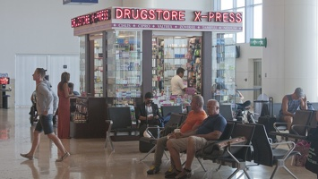 321-7814 Cancun Airport - Drugstore Express