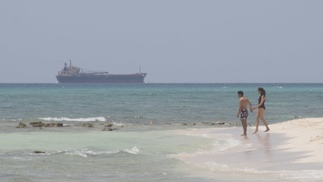 321-7677 Ship Off Playa del Carmen