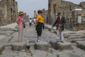 407-3853 IT - Pompeii - Steps over Roman Road - Martha, Gloria, Nichola