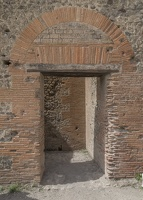 407-4221 IT - Pompeii - Doorway