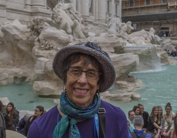 407-7683 IT - Roma - Trevi Fountain - Lynne