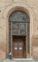 408-1321 IT - Siena - Basilica Cateriniana San Domenico door