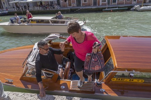 408-5233 IT - Venezia - Water Taxis - Paul Gail Gloria