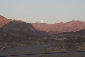 310-2746-Death-Valley-Zabriskie-Point-Moonrise.jpg