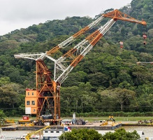 410-3552 Panama Canal - Largest Floating Crane