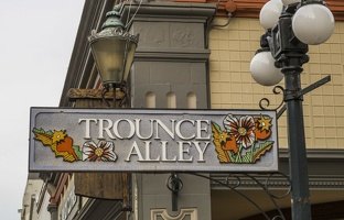 409-4242 Victoria - Trounce Alley